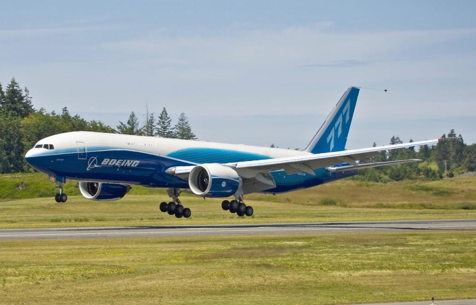 First 777F Freighter Lands after B-1 Flight