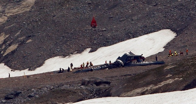 645x344-20-killed-as-vintage-aircraft-crashes-in-swiss-alps-1533472128096