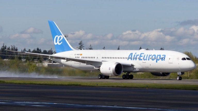 Air-Europa-Boeing-787-8-Dreamliner-EC-MOM-e1494153170867
