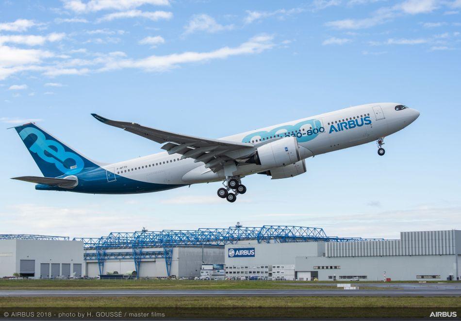 A330-800-MSN1888-first-flight-take-off-006