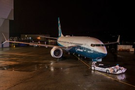 20151208 737 MAX 1A001 5602 737-800 P2 Paint Roll Out Renton