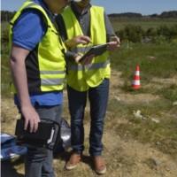 Denis JEANT, exploitant, télépilote de drone et Benoît DANIEAU de la CCBI – Photo Audrey LE GAL