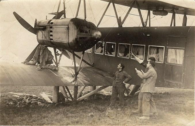 un Handley-Page embourbé à Tours le 18 janvier 1920