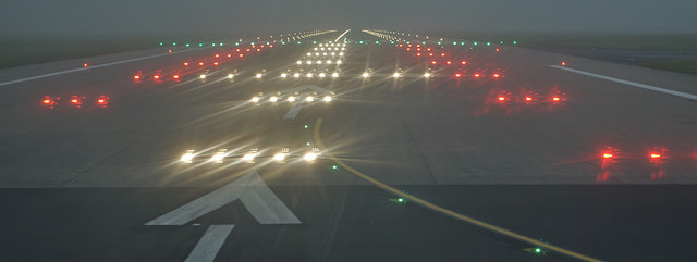 Runway Threshold Lights - Approach Lights - Airport Lights - AeroSavvy