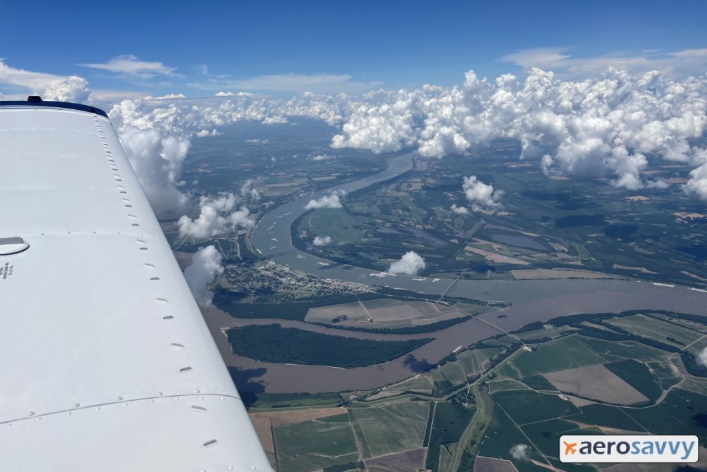 relatively clean Ohio river joining up with the muddy Mississippi River