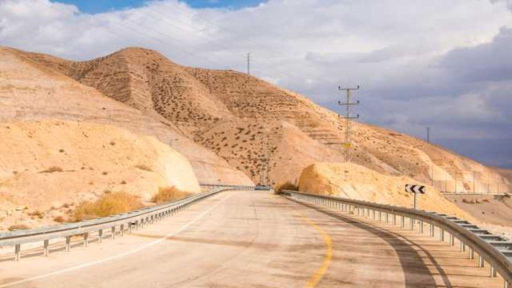 road-pale