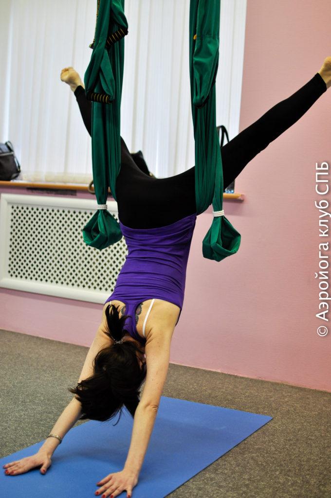 Йога в гамаках для расслабления шеи