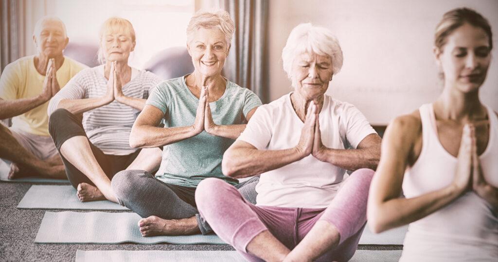 Йога для пожилых: йога не знает возраста!