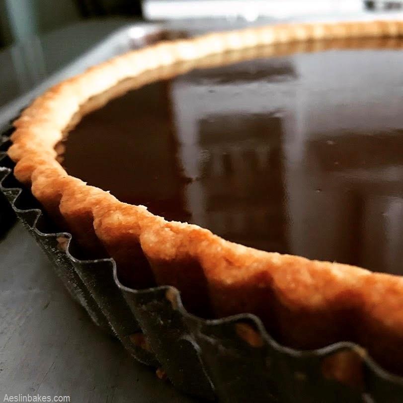 filled thick rim crust