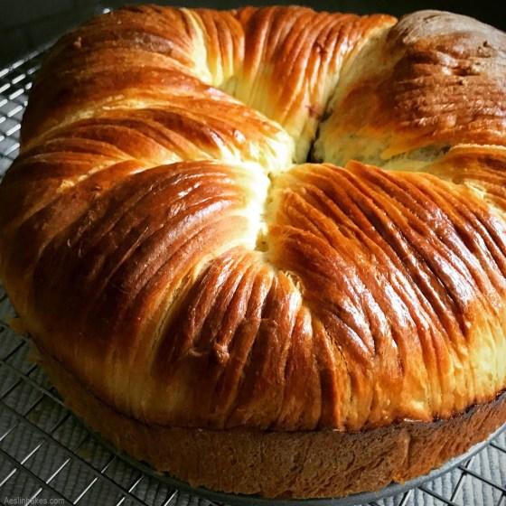 brioche wool roll bread