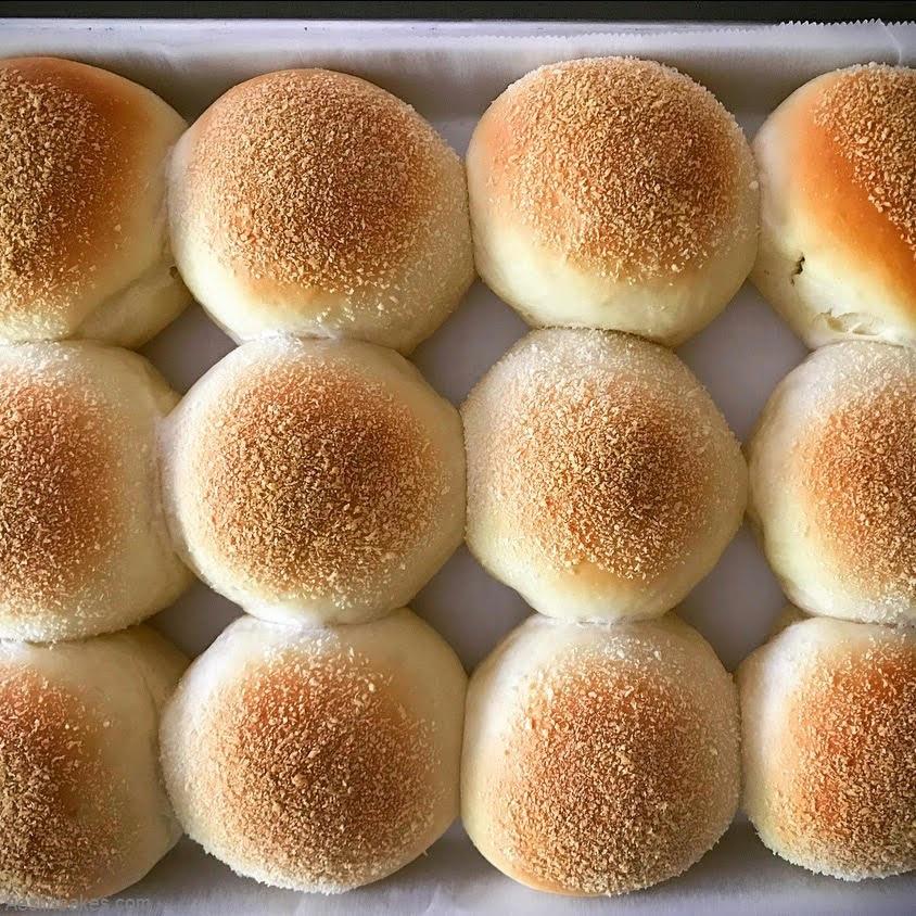 baked pandesal