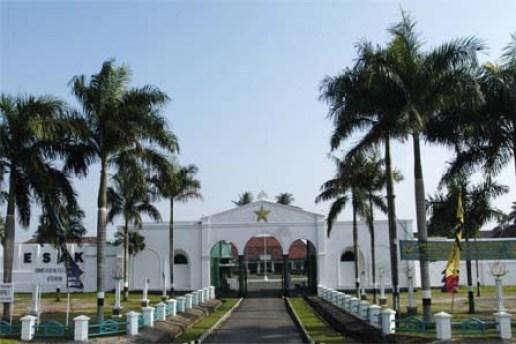 Wisata Sumatera Selatan Penuh Sejarah, Benteng Kuto Besak