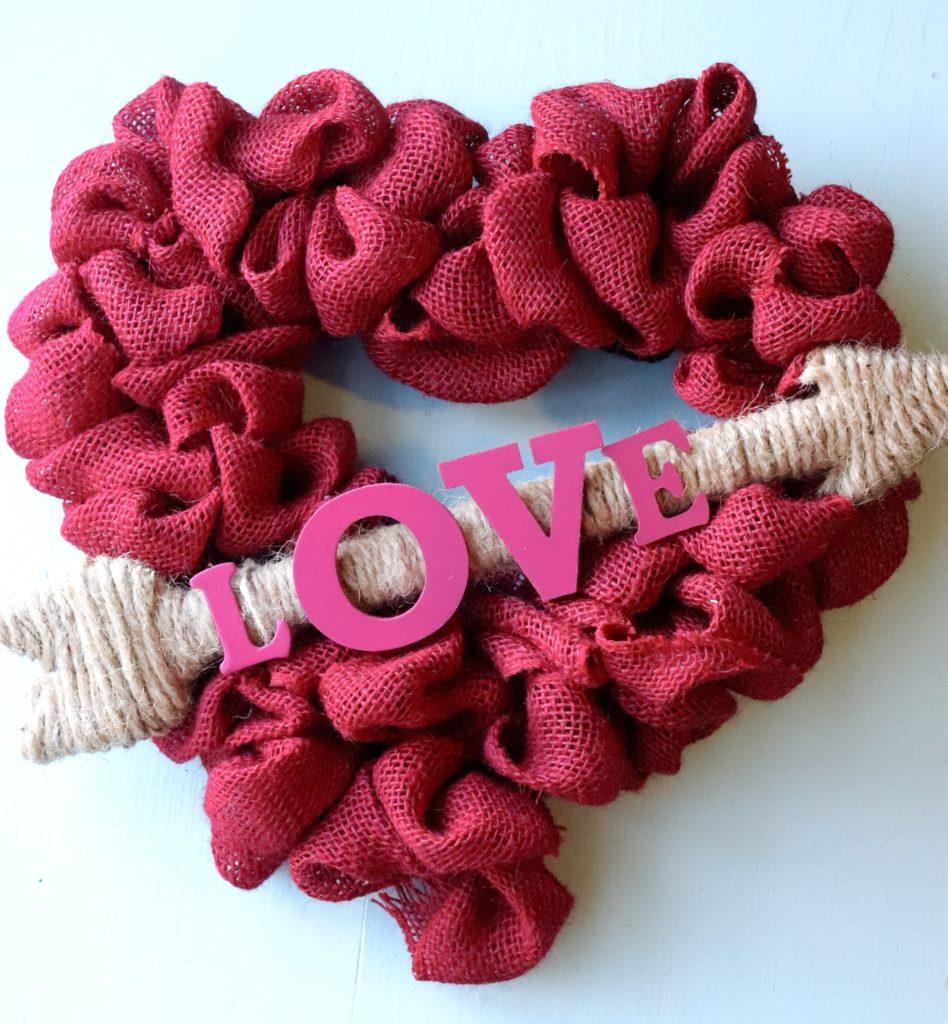 Valentine Crafts: Heart Wreath