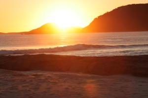 squeaky beach sunset