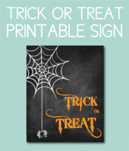 Spider Themed Trick or Treat Sign