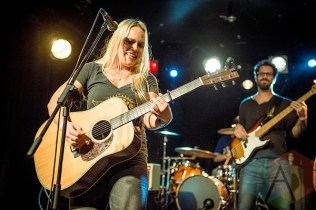 Dani Strong performing at the 2015 Toronto Independent Music Awards in Toronto on October 23, 2015. (Photo: Francesca Ludikar/Aesthetic Magazine)