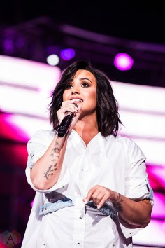 Demi Lovato performs at NRG Park in Houston on March 14, 2017 during the Houston Rodeo. (Photo: Joey Diaz/Aesthetic Magazine)
