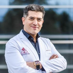 Dr Alfredo Hoyos
