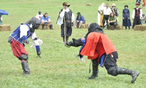 Mark le Gabler competing in the Rapier Champions Tourney at Pennsic 43. He was inducted into the White Scarf the following month. Photo by Lord Juan Miguel Cezar.