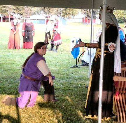 Lady Rowena MacCara. Photo by Mistress Arianna of Wynthrope.