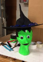 Witch head with hat