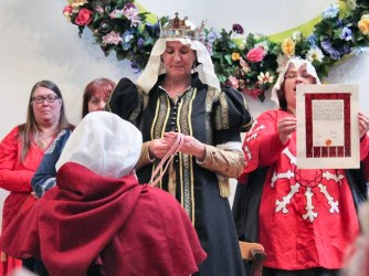 Lady Abigail is admitted to the Fleur d'Æthelmearc. Photo by Jinx.