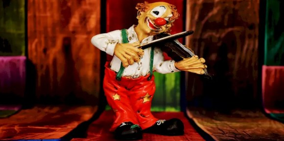 Symbolbild: Clown auf der Bühne