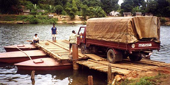 Madagascar-ferry_564x282