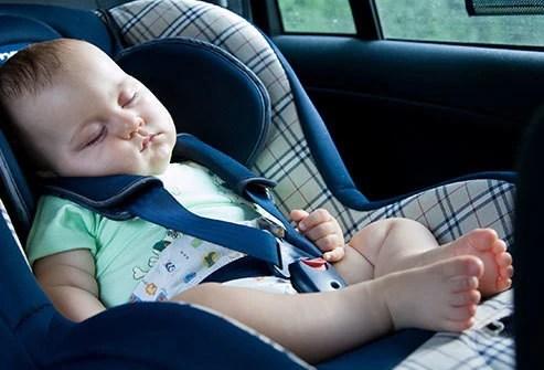 Từ vụ bé 6 tuổi tử vong do bị trường bỏ quên trên ô tô: Vì sao ở trên xe lâu lại bị chết ngạt và cách phòng tránh cho trẻ - Ảnh 1.