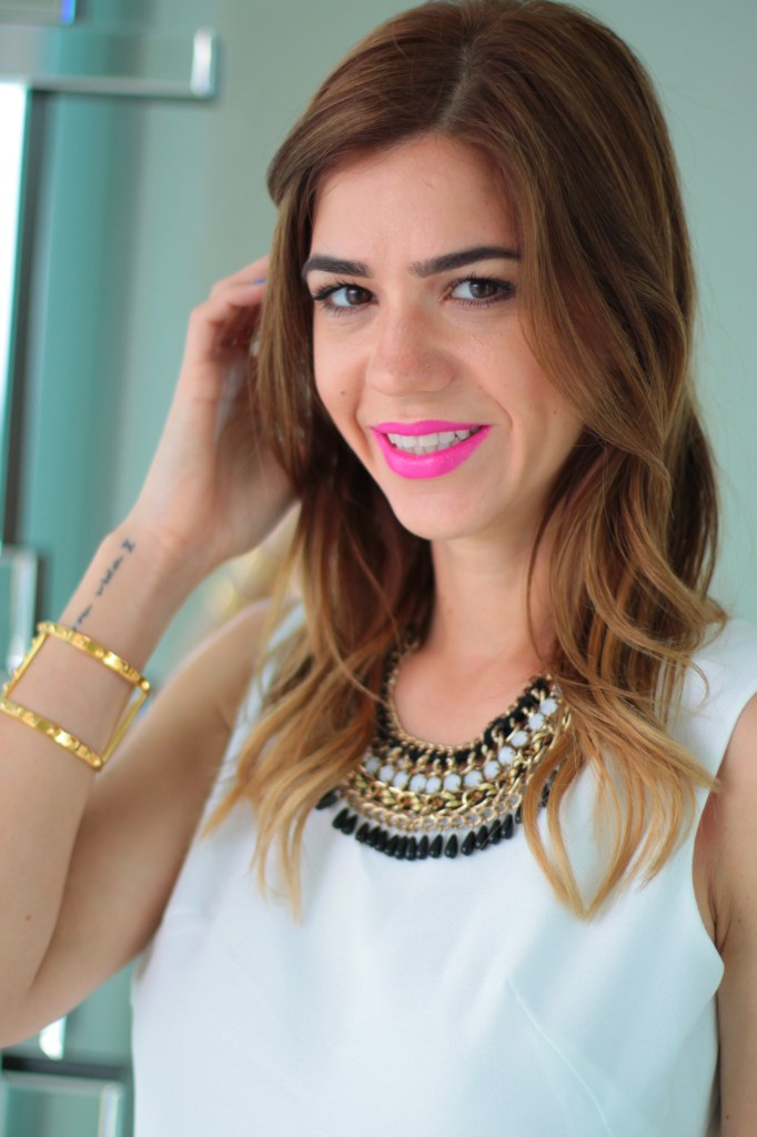 all white look with velveteur clothing paired with statement necklace and hot pink lips by miami fashion blogger from a fancy affair blog amanda tur