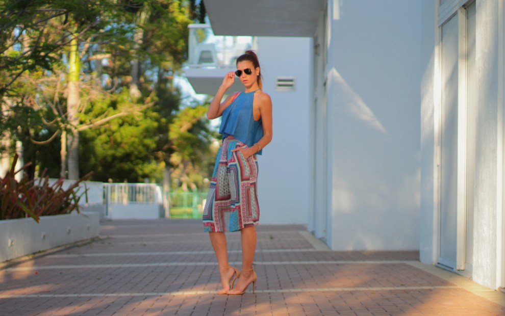 A Fancy Affair miami fashion blogger amanda tur wearing culottes or cullotes for a perfect summer and spring outfit and a high ponytail in miami florida and schutz cadey lee simple strappy sandals perfect and trending