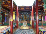 The temple inside was very bright and colouful, and just felt like a nice place to be.