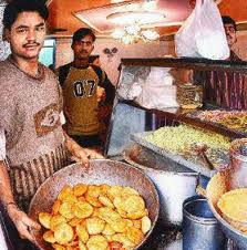 Karachi key Footpathiyaa khanay (2/5)