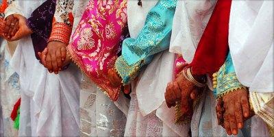 mariage-amazigh-051012-300x150 تاوريرت: العروس تختبئ خلف الستار خوفا من سرقة جمالها  تقاليد
