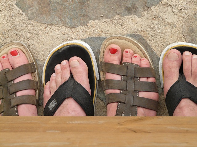 feet-9375_640