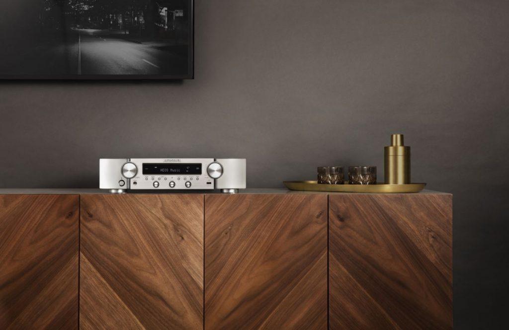 Marantz NR1200: ricevitore stereo ricco di funzionalità