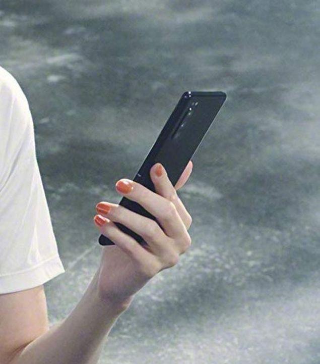 Sony Xperia 2: più piccolo e con tre fotocamere