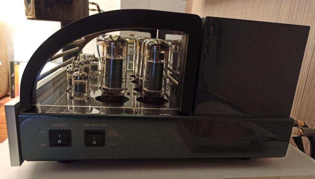 LUSTRI DI LUNA: Amplificatore integrato PRIMALUNA DIALOGUE PREMIUM HP