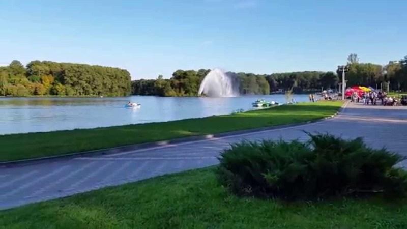 حديقة فيكتوريا قلب مدينة مينسك بروسيا البيضاء