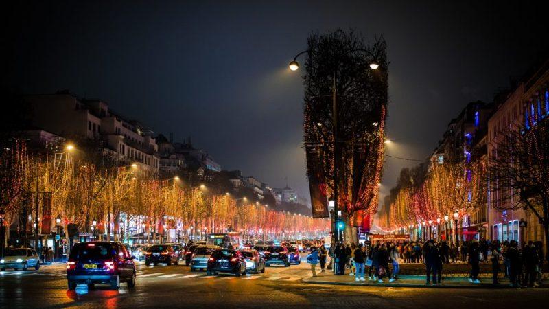 تعرف على شارع الشانزليزيه باريس