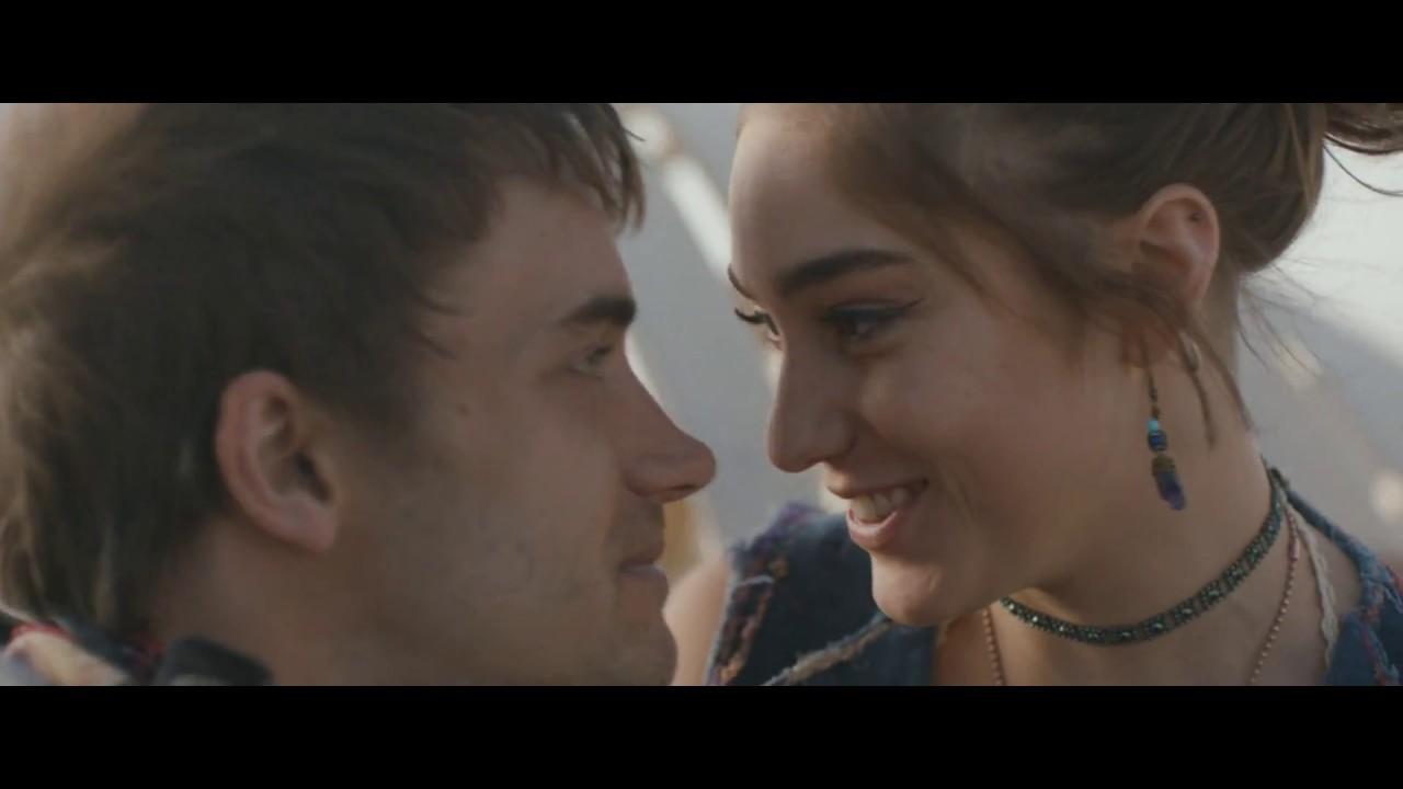 فيلم الرومانسية الموسيقي The Girl from the Song مترجم للعربية