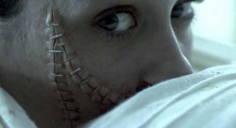 فيلم الرعب الهولندي The Human Centipede 2009 للكبار فقط