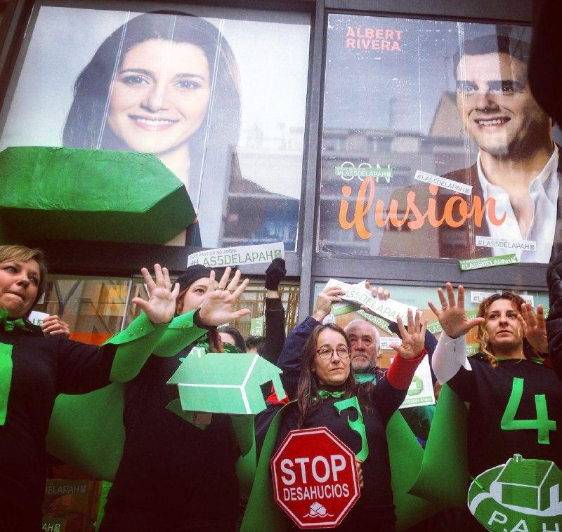 ¡Dicen que no caben pero las vamos a meter! PP, Ciudadanos y PSOE respondan porque NO apoyan #Las5DelaPAH