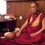 dalai-lama-meditating2