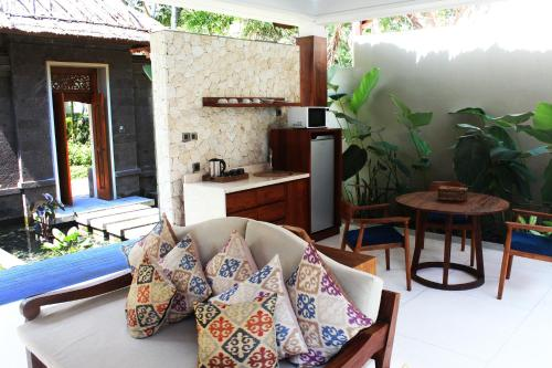 Regali Villas Updated 2017 S Hotel Reviews Bali Canggu