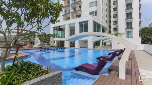 KL City Spacious Brand New 3 Bedroom Apartment (12 pax)