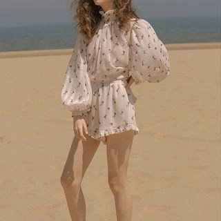 Sincethen Floral Lantern-Sleeve Blouse / Shorts