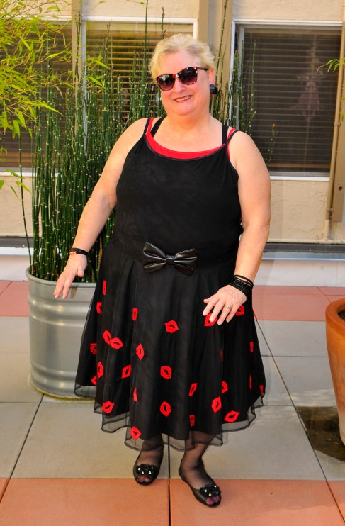 a red cami under a black Avenue Size 26/28 cami to provide contrast eShakti skirt Size 5X (a little large in the waist and a little long even though I specified my height as 5'3""