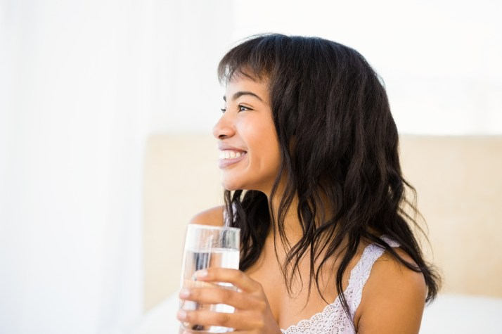 There are several benefits of drinking water that will promote healthy living as well as healthy skin