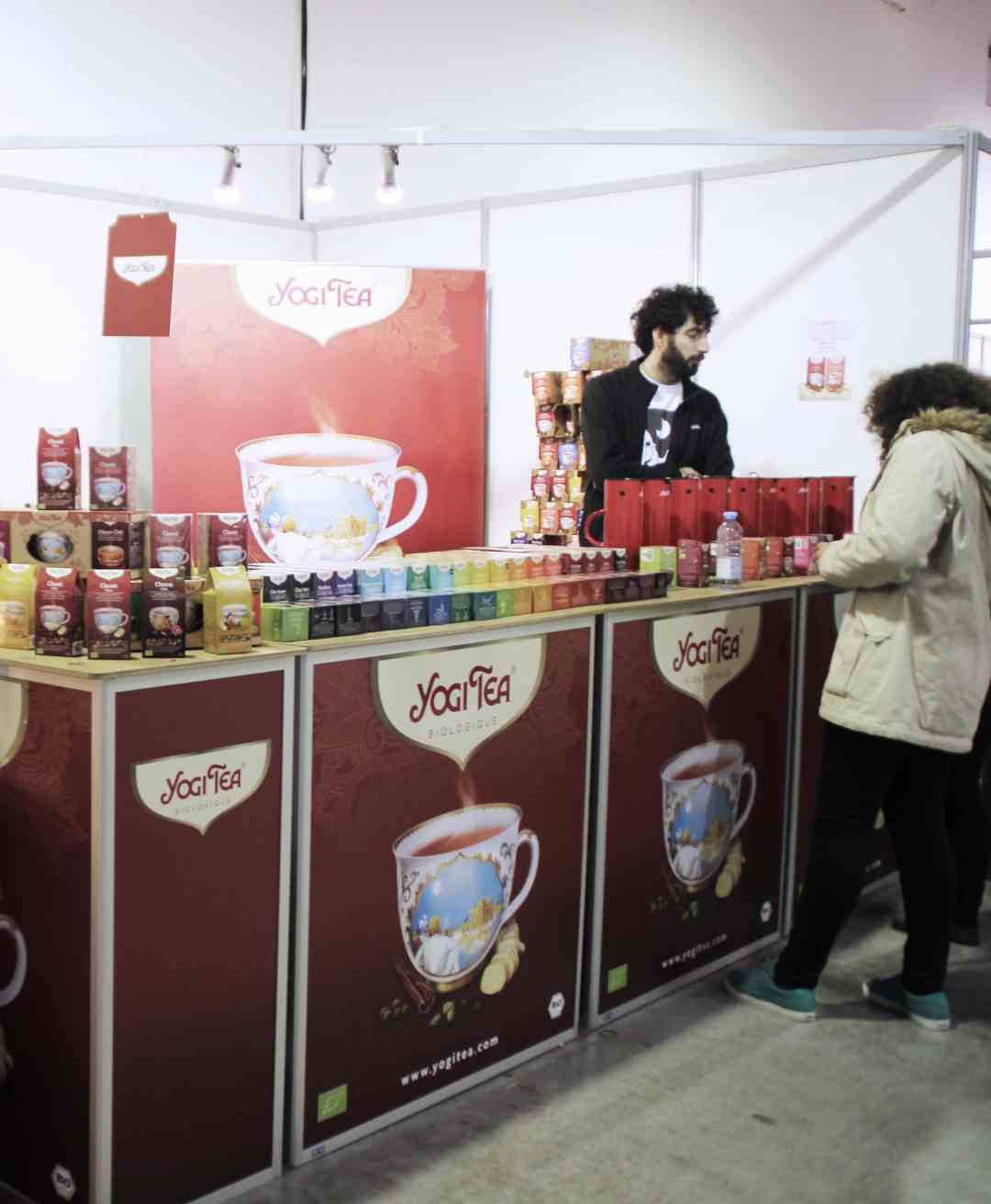 Photo du stand de la marque de thé Yogi Tea #the #tea